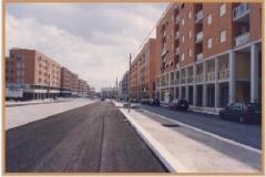 Luglio 1995: comincia la pavimentazione delle strade.
