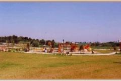 Aprile 1999: area giochi nella parte estrema del quartiere.