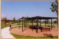 Aprile 1999: gazebo presso il parco giochi.